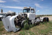 Salvage Equipment : 1986 Mack R