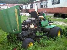 2002 John Deere 3225B Lawn trac
