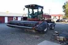 Forage - : 2005 Hesston 8450