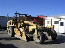 Road Equipment - : 2001 Caterpi