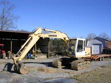 2000 Liebherr R312 Track excava
