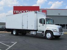 2012 Hino 268 24 Foot Box Truck