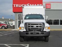 2004 Ford F750 Box/Straight