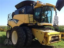 Used 2004 HOLLAND CR