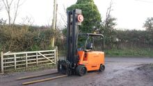 Hyster E100B Electric Forklift