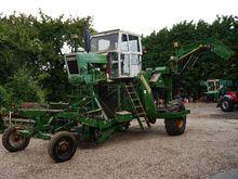 Ford 6600 Krakei Harvester