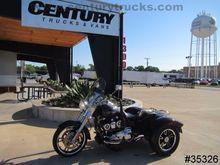 2015 Harley-Davidson® FLRT - Fr