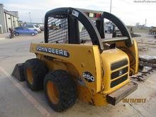 2000 John Deere 250
