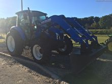 2014 New Holland T4.105