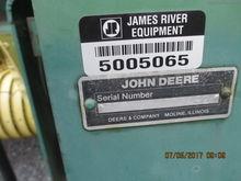 John Deere 328
