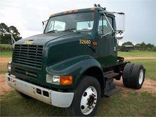 2002 INTERNATIONAL 8000