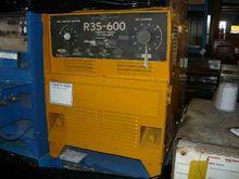 LINCOLN R3S  600 WELDER BM10830