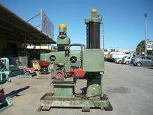 HUNT RADIAL ARM DRILL BM15361