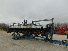 Used KINZE 2600 in N