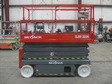 2004 SKYJACK SJIII3226