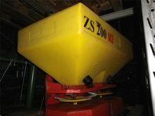 - - - ZS 200 M2