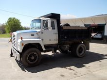 1986 FORD 8000