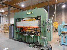 LVD EM 80 ton H-frame presses