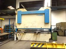 LVD PPBL 300 ton x 4100 mm Hydr