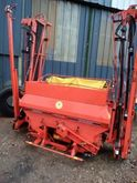 2005 Kuhn 2202 Fertiliser sprea