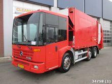2002 Mercedes-Benz ECONIC 2628