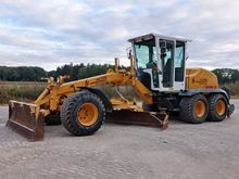 2005 New Holland F106.6A (NEW T