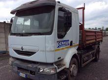 2002 Renault MIDLUM215 Truck