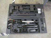 Omega 10 Ton Portable Hydraulic