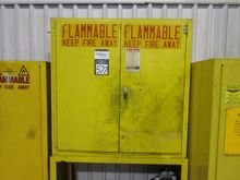 Lyon 30 Gallon Flammable Materi