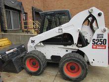 2009 Bobcat S250 2, 500-Lb Skid