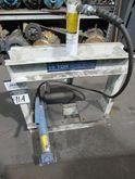 OTC 10T Hydraulic H-Frame Shop