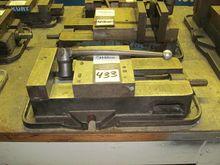 """Kurt D-80 8"""" machine Vise"""