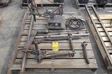 Victor V7M200 Track Torch