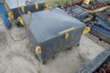 3' x 3' x 2' H Offshore Knife S