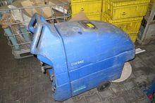 Encore L20 floor cleaning machi