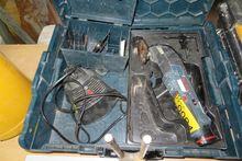 Bosch 10.8 V-LI cordless GOP mu