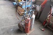 Oxyacetylene welding device