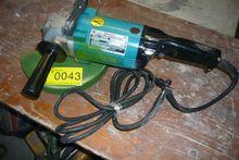 Angle grinder Makita 9609 HBS
