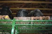 Pallets with expansion joints