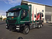 Iveco AT 260 T 50 6x4 timber tr