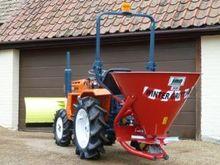 Kubota B1500 Compact Tractor &