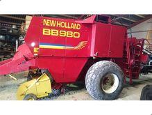 New Holland BB 980 presses