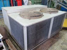 Refrigeration unit with 2 compr
