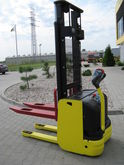 Used 2003 Hyster S1.