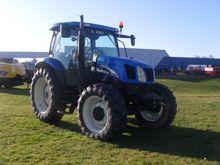 2004 New Holland TSA 100 Farm T