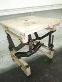 Used LIFT TABLE 29""