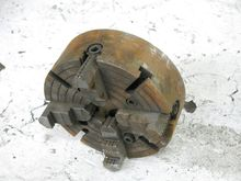 Used 4 JAW CHUCK in