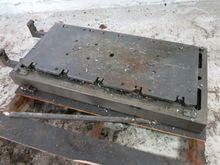 Used MACHINE TABLE i