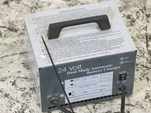 LESTER 18330 BATTERY CHARGER