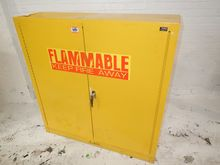 EDSAL SWH24F FLAMMABLE CABINET